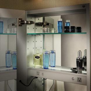 Immagine di un'ampia stanza da bagno padronale design con ante di vetro, piastrelle multicolore e pareti multicolore