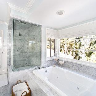 Idee per una stanza da bagno contemporanea con doccia alcova