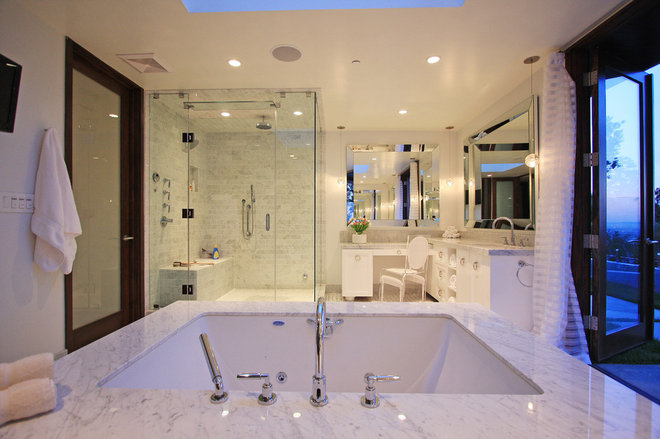 Contemporary Bathroom by Globus Builder