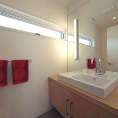 modern bathroom by studiohw | Heather Weiss