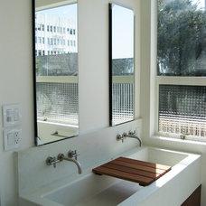 Modern Bathroom by Winder Gibson Architects