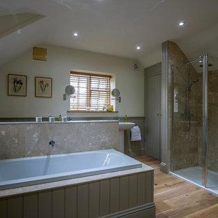 Grade II Listed Cottage:  Bathroom