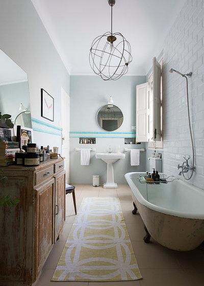 Eclectic Bathroom by KAYSERSTUDIO