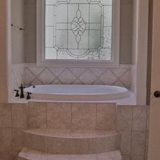 Traditional Bathroom by EMK CONSTRUCTION, INC.