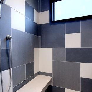 Diseño de cuarto de baño principal, tradicional renovado, grande, con lavabo bajoencimera, encimera de cemento y suelo de baldosas de cerámica