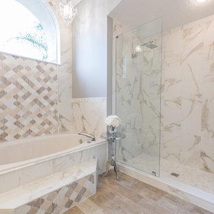 Salle de bain romantique avec du carrelage en marbre : Photos et ...