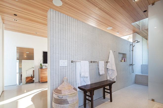 Contemporary Bathroom by ras-a, inc.