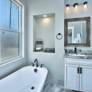 75 Beautiful Bathroom With Laminate Countertops And ...