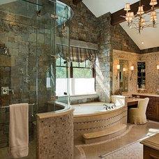 Traditional Bathroom by Ellis Nunn Architects