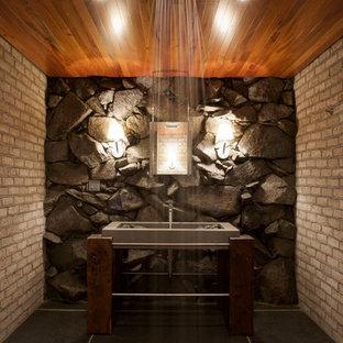 Modernes Badezimmer mit integriertem Waschbecken, offener Dusche und offener Dusche in Burlington