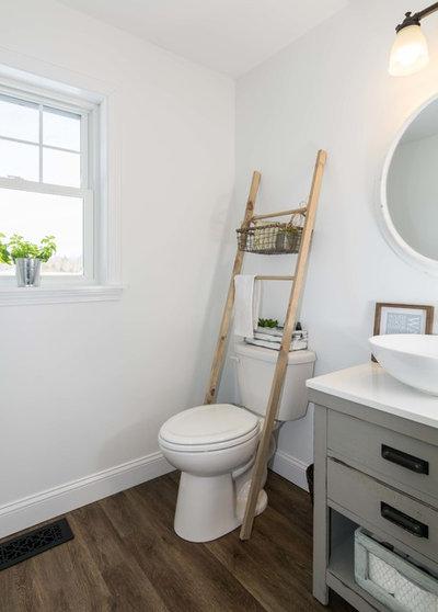 Farmhouse Bathroom by MGM Builders