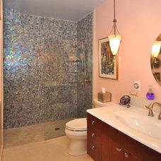 Eclectic Bathroom by MOKULUA High Performance Builder