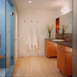Green Street - Bathroom