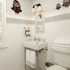 Traditional Bathroom by Harry Braswell Inc.
