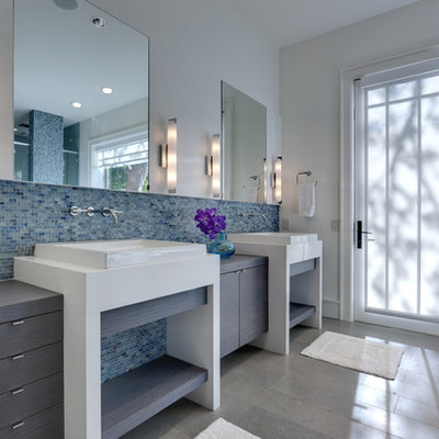 Bathroom - modern mosaic tile bathroom idea in Dallas
