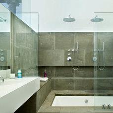 Modern Bathroom by SLADE ARCHITECTURE
