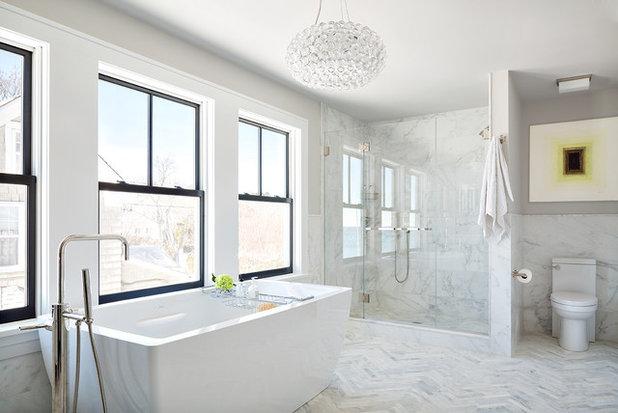 Trend Beach Style Bathroom by Clean Design