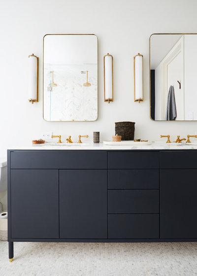 Scandinavian Bathroom by nune