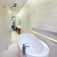 Modern Bathroom by TURETT COLLABORATIVE ARCHITECTS