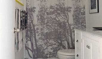 Grey & yellow bathroom