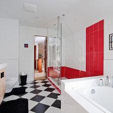 Contemporary Bathroom by Menno Martin Contractor