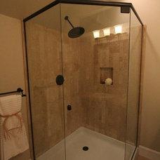 Traditional Bathroom by Aloha Home Builders