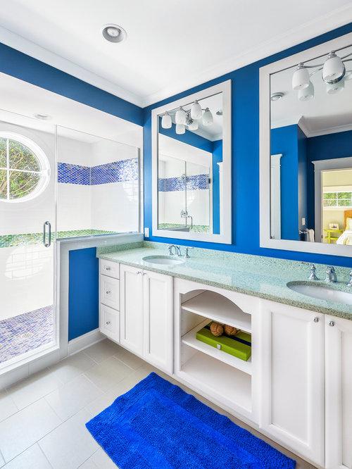 Bright color bathroom home design ideas pictures remodel for Bright coloured bathroom accessories