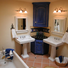 Mediterranean Bathroom by Nunley Custom Homes