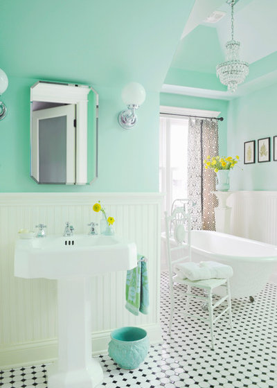 Victorian Bathroom by anna forkum