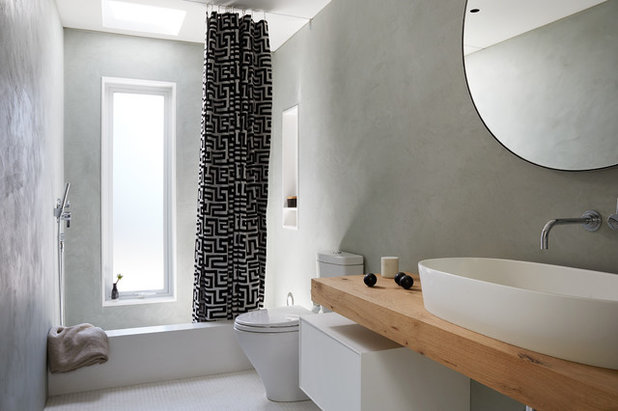Modern Badezimmer by AND Design by Adele Lapointe