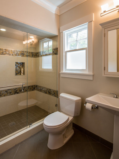 Pedestal Sink Bathroom Design Ideas : Bathroom Design Ideas, Renovations & Photos with a Pedestal Sink