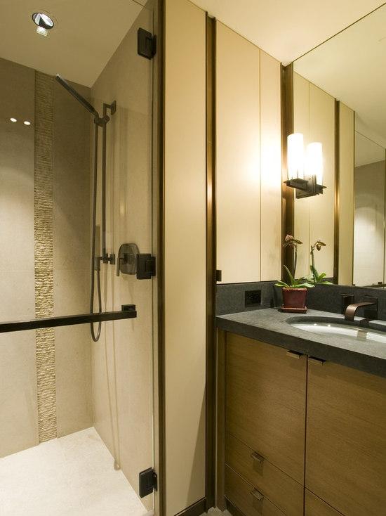 Bathroom Tiles Vertical Border vertical accent tile | houzz
