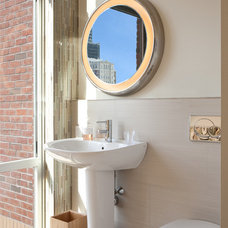 Modern Bathroom by Gary Rosard Architect
