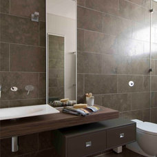 Modern Bathroom by MINOSA