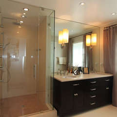 contemporary bathroom by Nina sobiNina Design