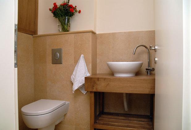 Contemporary Bathroom by Nurit Geffen-NG Interior