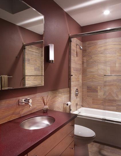 Modern Bathroom by Patricia B. Warren, AIA   Warren Architecture, LLC