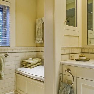 Ispirazione per una stanza da bagno tradizionale con piastrelle diamantate