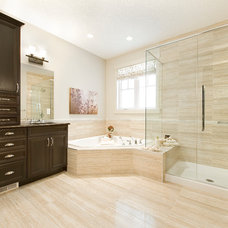 Eclectic Bathroom by Homes by Avi