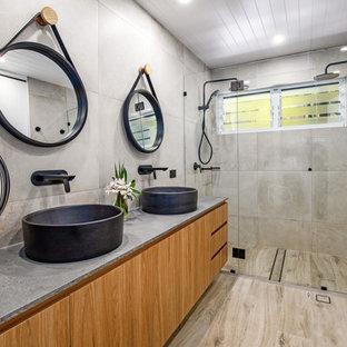 Gypsy Main Bathroom