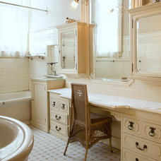 Traditional Bathroom by Margot Hartford Photography