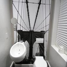 Modern Bathroom by APRO Arch