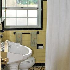 Traditional Bathroom Hall Bathroom