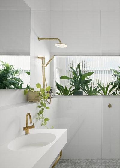 Scandinavian Bathroom by Breathe Architecture