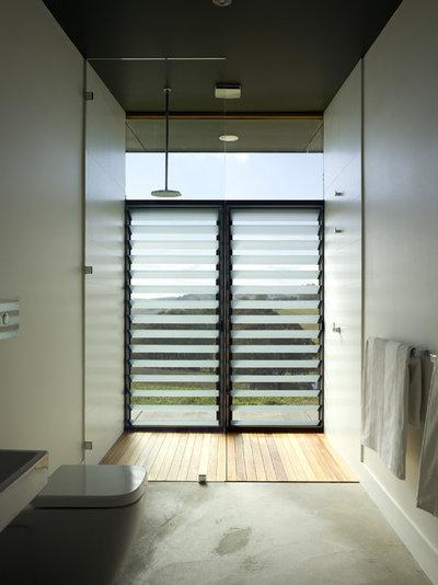 Contemporary Bathroom by Noxon Giffen