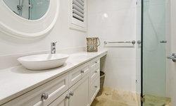 Hamptons Bathroom