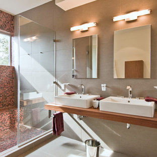 Inspiration for a modern bathroom remodel in New York with a vessel sink
