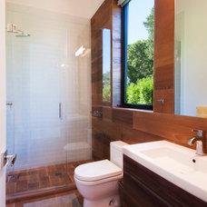 Contemporary Bathroom by MKL Construction Corp.