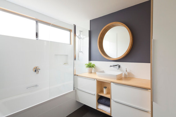 Modern Bathroom by Erban Development