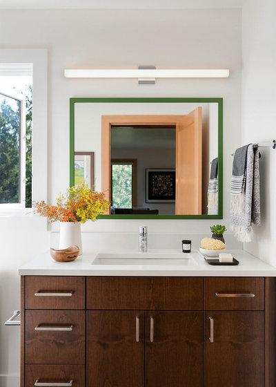 Midcentury Bathroom by Lucy Interior Design